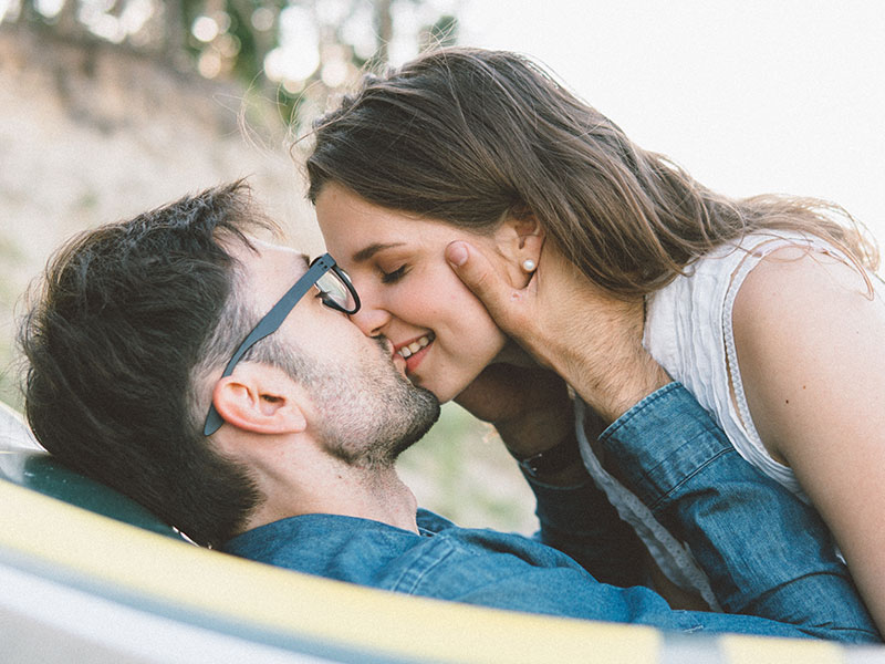 How to find a girlfriend without putting any effort?